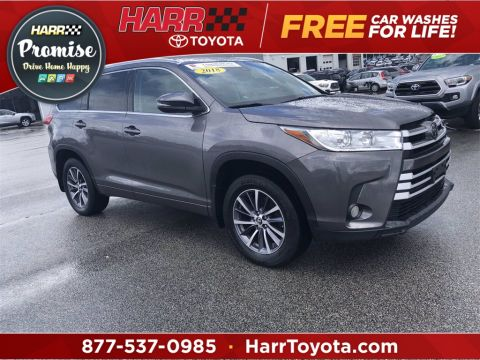 Pre-Owned 2018 Toyota Highlander XLE With Navigation & AWD